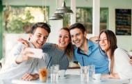 دراسة حديثة: الأصدقاء الأوفياء حماية من الإصابة باضطراب القلق الاجتماعي