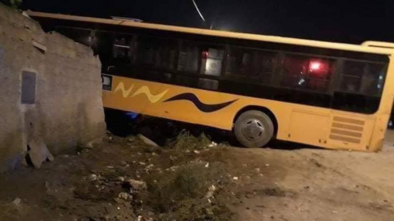 الجزائر: 4 قتلى وجرحى في حادث اصطدام حافلة طلبة بسيارتين